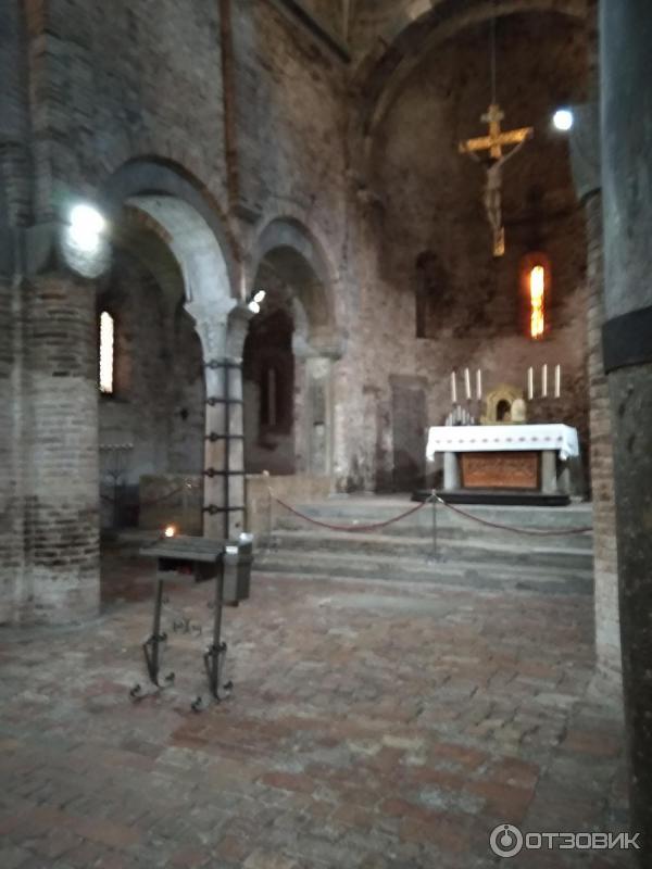 Базилика Святого Стефана (Италия, Болонья) фото