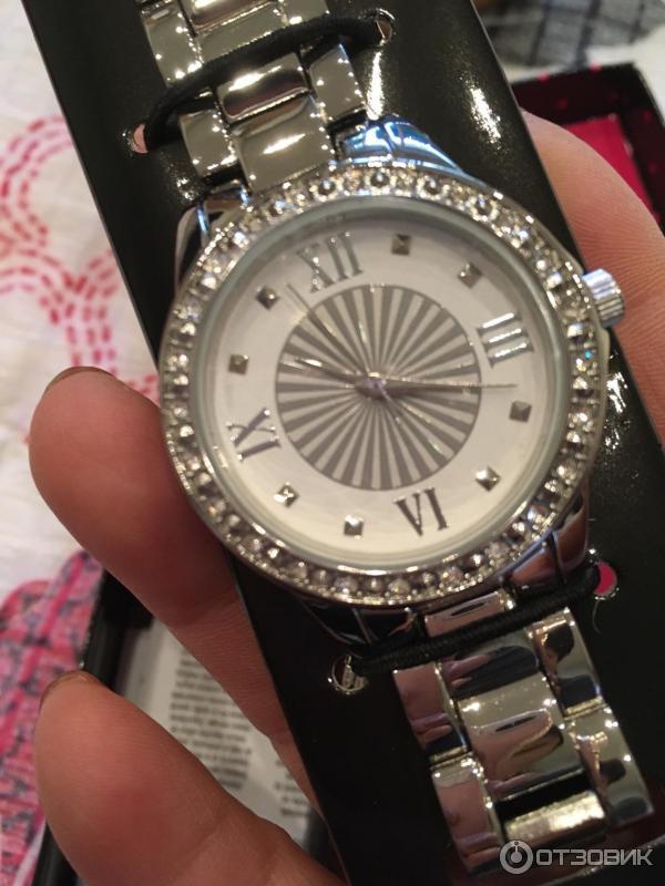 Avon кварцевые часы как купить косметику mac с сайта
