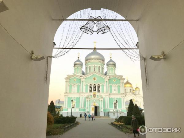 Троицкий собор на территории Серофимо-Дивеевского монастыря